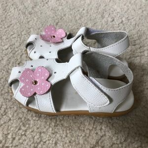 Other - Toddler Girls White Velcro Sandals Sz 8.5